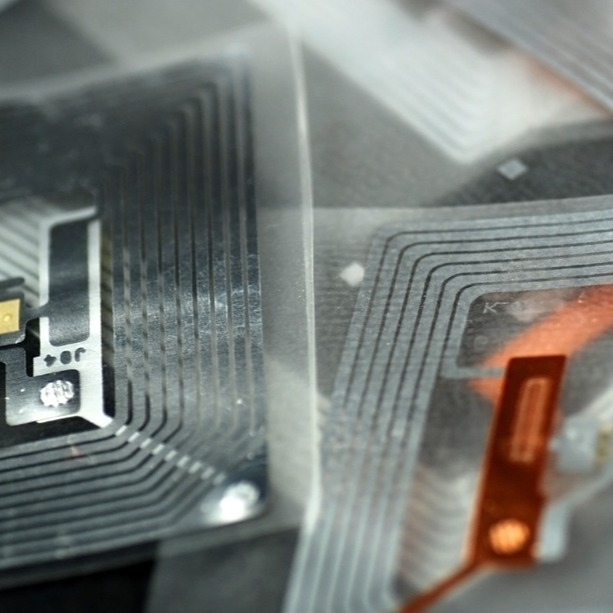 BLE Vs. RFID: How To Select Asset Location Technology