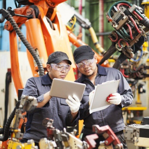 7 Manufacturing & Industrial IoT Examples That Paid Off
