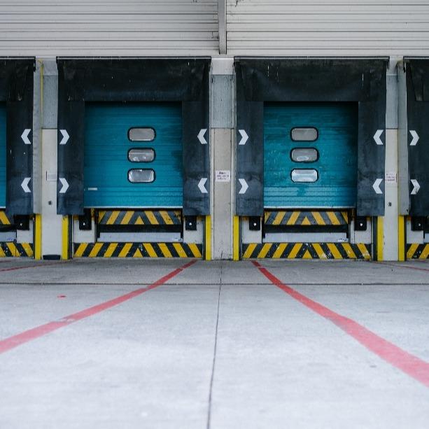 3 Ways Asset Tracking Hardware Improves Commercial Shipping & Logistics