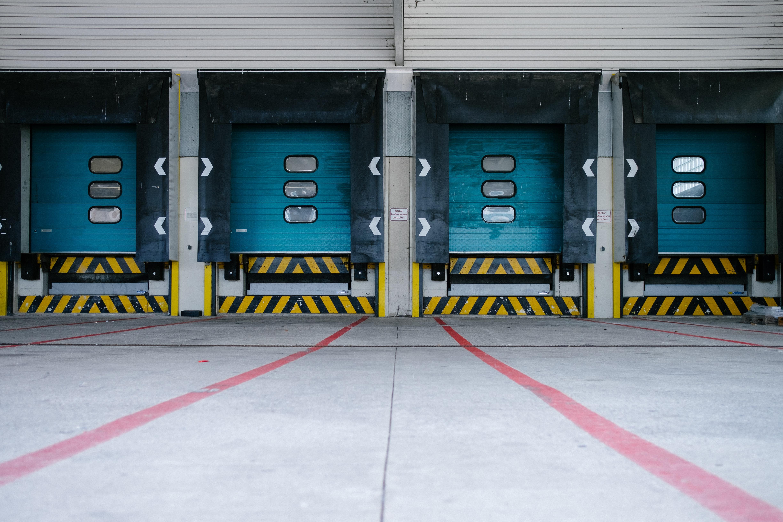 3 Ways Asset Tracking Hardware Improve Commercial Shipping & Logistics