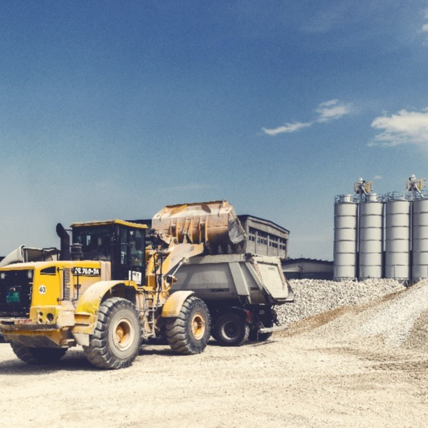 Huge benefits of heavy equipment tracking